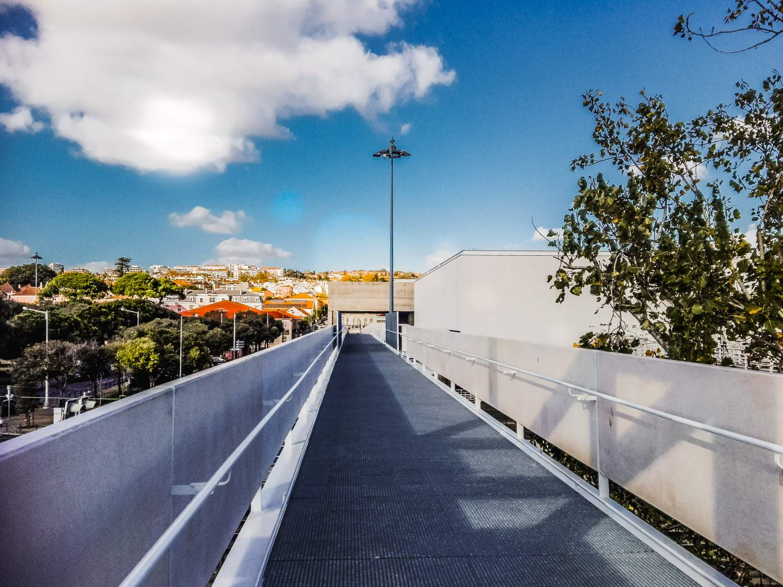 passagem-superior-de-peoes-do-novo-museu-dos-coches-e-baresplanada-8